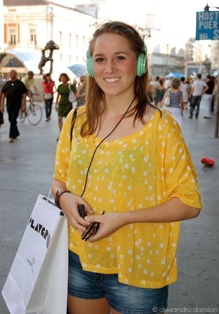 Headphones – Luisa in Madrid