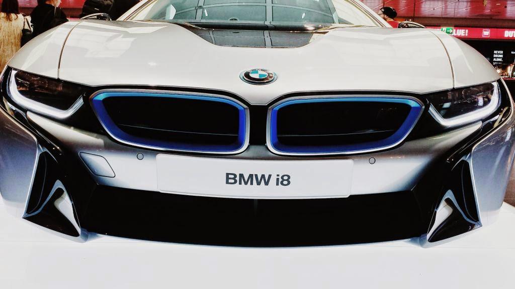 Mașina mea preferată e acum un BMW i8