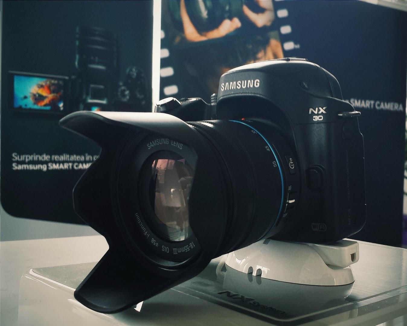 Lansare Samsung NX30 în România
